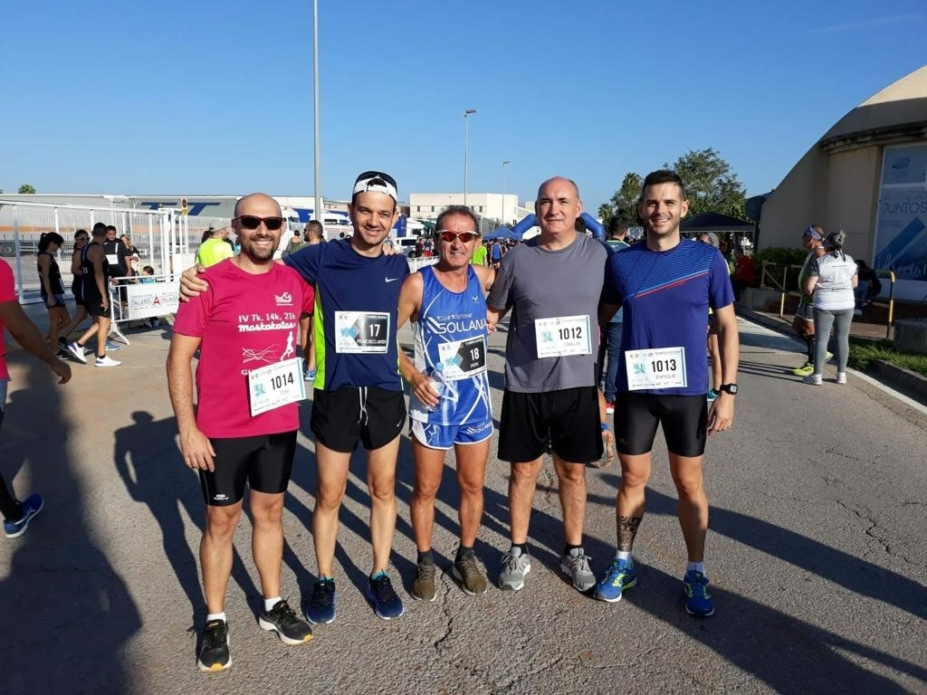 Ercros employees take part in a solidarity race in Almussafes