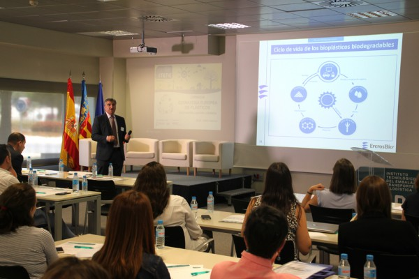 Ercros participates in a seminar on plastics and sustainability