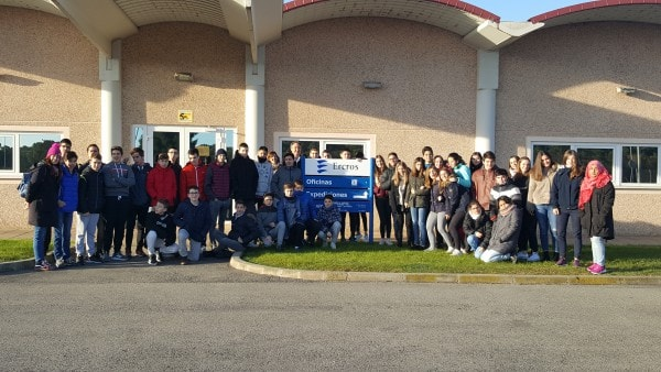 Students of Salesianos School of Huesca visit the factory of Ercros in Monzón